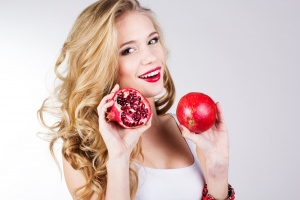 anti aging superfood pomegranates