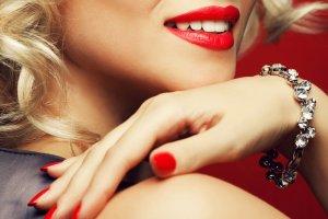 Dazzling Smile Teeth Whitening