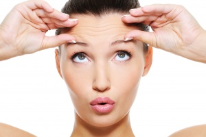 3 Tips to Smooth Forehead Creases