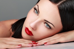 eMatrix Tightens & Lifts Drooping Eyelids Without Surgery